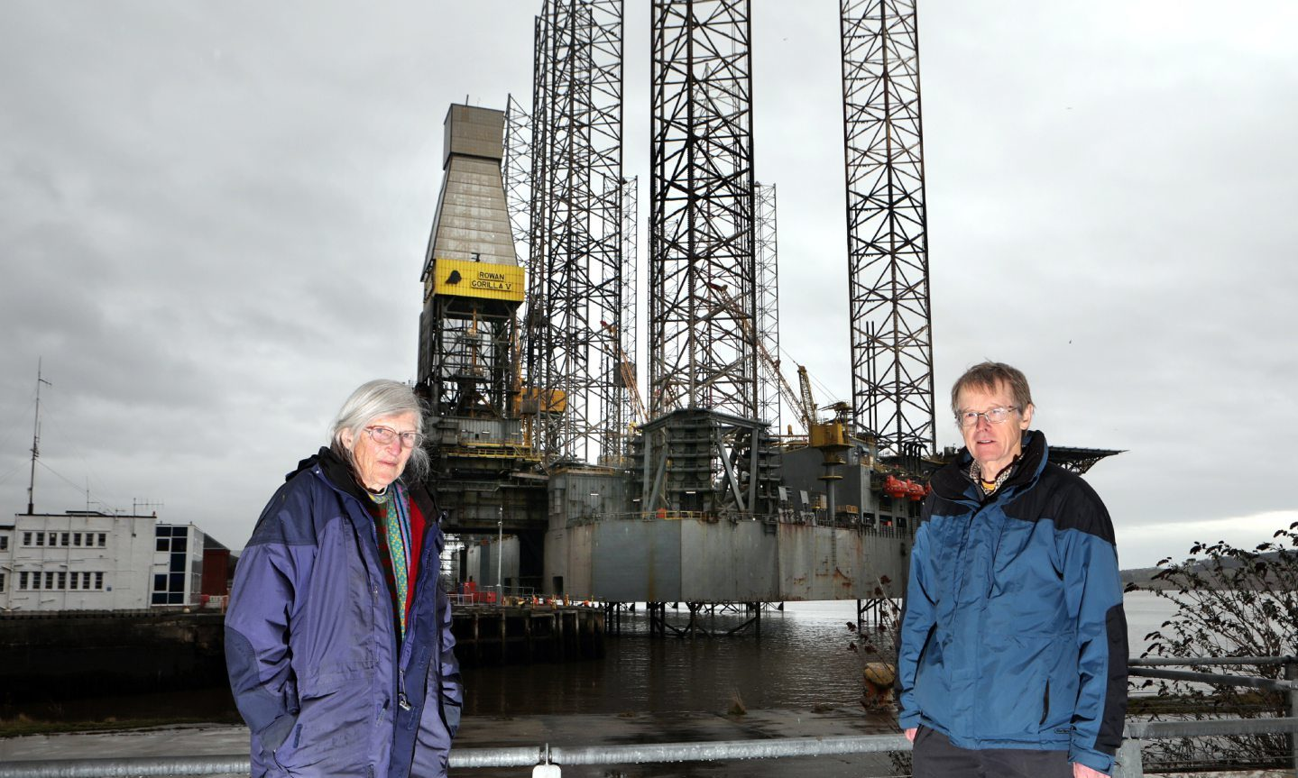 Andrew Llanwarne and Mary Henderson, from Friends of the Earth Tayside, are leading the campaign